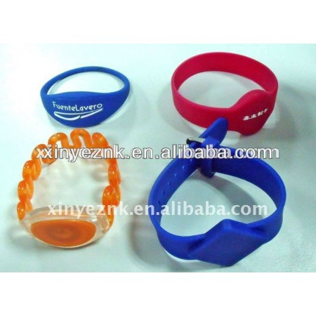 fid bracelet for swimming pool