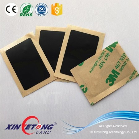 China Popular HF 13.56KHZ Chips PET Material Anti-Metal NFC Sticker