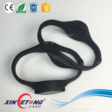 Logo printing Ntag203 NFC Bracelets Silicone RFID/NFC Adjustable Size Clap Wristband NFC