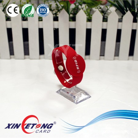 Adjustable Waterproof Silicone RFID 13.56MHz Wristband