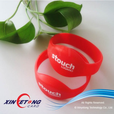 Compitive Price High Quality Waterproof Silicone RFID Wristband